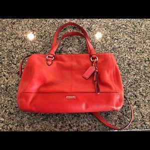 COACH Leather Handbag/Crossbody